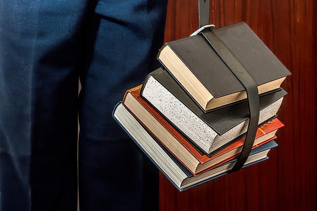 Books 1012088 640